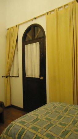 Hotel Sierra Madre: Habitación