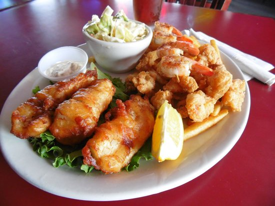 Rock The Dock Pub & Grill: Captain's Seafood Plate