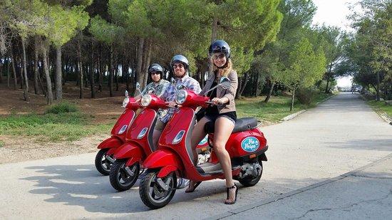 Via Vespa Rent a scooter : 4 hour architectural tour