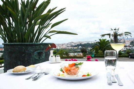 Panorama Restaurant: Tártaro de salmão