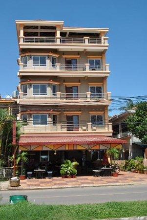 Kampot Riverside Hotel: Riverside hotel