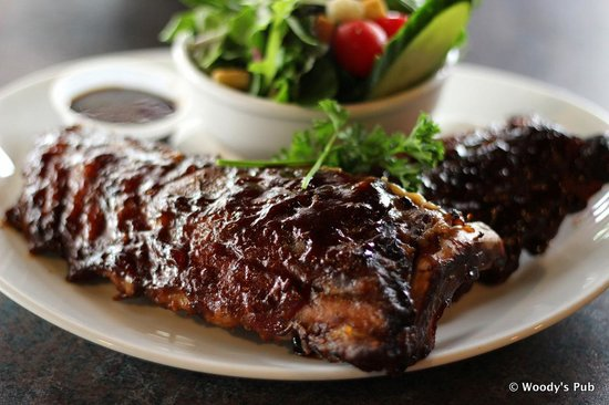Woody's Pub: Ribs Wednesdays for $10