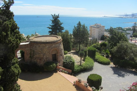 Hotel Castillo de Santa Catalina: View from terrace