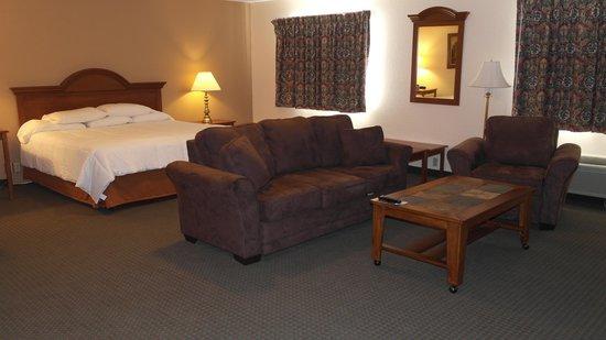 Super 8 Bemidji MN: King suite