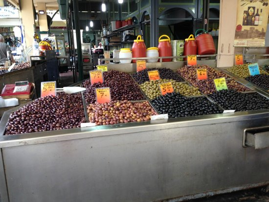 Modiano Market: Olives