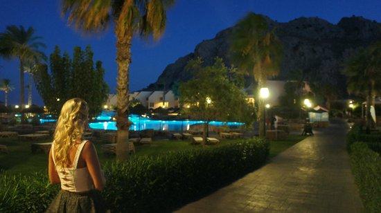 Atlantica Aegean Blue: Pool by night