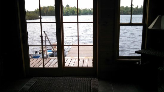 Chippewa Retreat Resort: Deck from room and the extra sun room has one too.