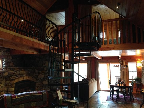 The Cabins at Country Road: Staircase