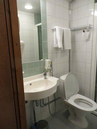 Hotel Hamina: Bathroom