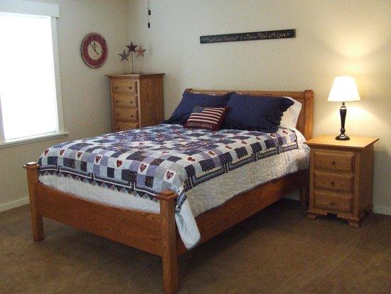 Jamesport, MO: Oakridge Room
