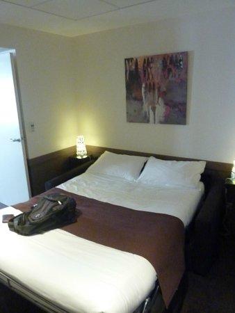 La Maison des Armateurs : Canapé lit dans chambre sans fenêtre