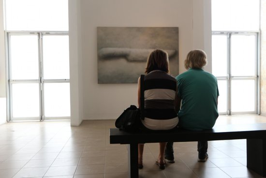 Museum of Contemporary Art and Design : careful observation of exhibit