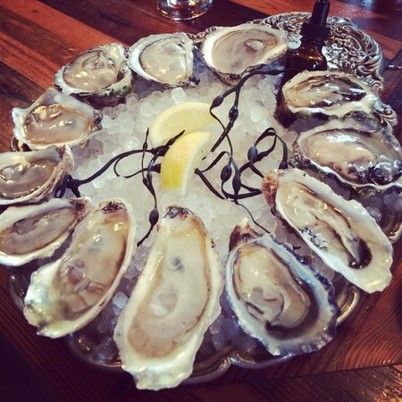 Kimball House : Great selection of oysters
