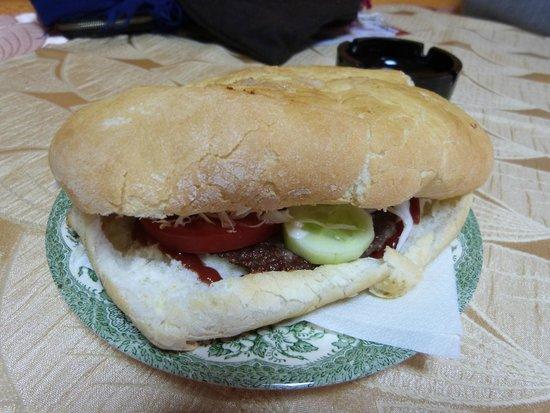 Fojnica, Bosnia-Herzegovina: Hamburger