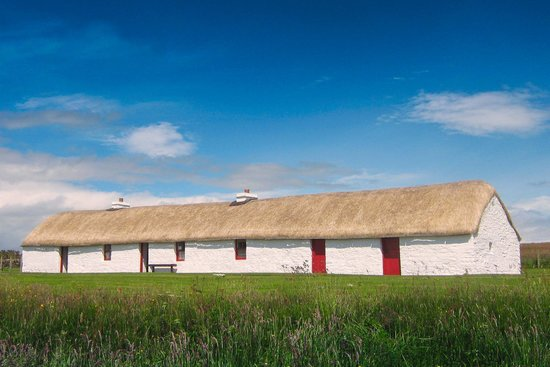 Dunbeath, UK: 200 year old Caithness long house