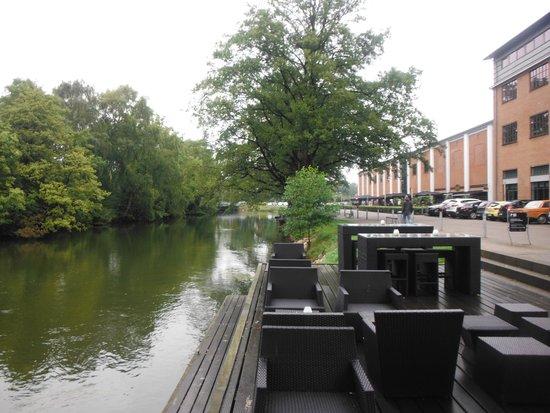 Radisson Blu Papirfabrikken Hotel, Silkeborg : River view with hotel.