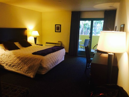 Lemon Tree Inn: These rooms are all quite spacious with huge, furnished balconies