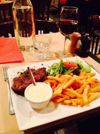 angus onglet sauce gorgonzola frites maison picture of au bon coin paris tripadvisor. Black Bedroom Furniture Sets. Home Design Ideas