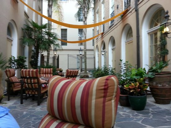 St. James Hotel, an Ascend Hotel Collection Member: Courtyard at St. James Hotel