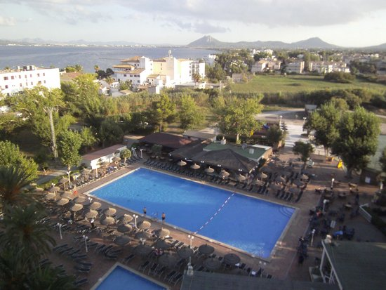 FERGUS Style Pollensa Park SPA: Great pool and sea view from 8th Floor