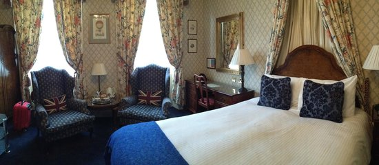The Kennard : Room 12 (a superior en-suite room on the ground floor)