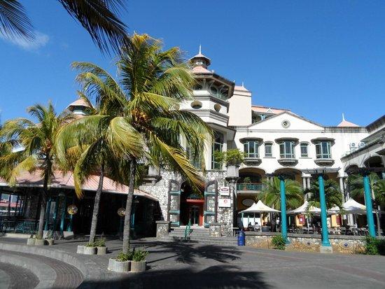 Shops cafes galore picture of le caudan waterfront port louis tripadvisor - Restaurants in port louis mauritius ...