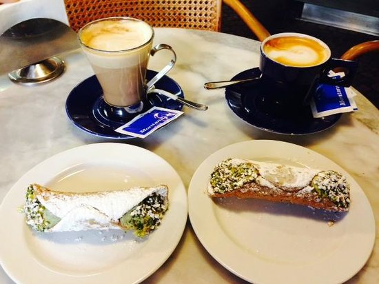 Caffe Montanucci: coffee and cannolis