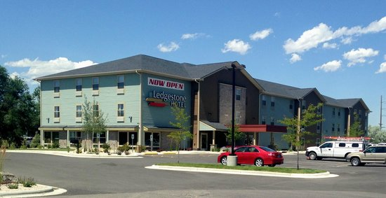 Ledgestone Hotel Billings