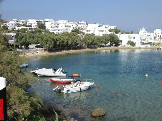 Aloni Hotel: Beach at the harbour
