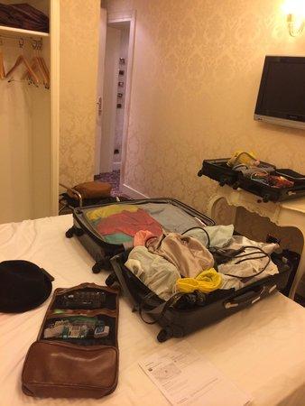 UNA Hotel Venezia: Quarto standart muito pequeno !