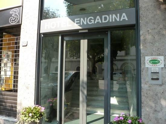 Hotel Engadina: front of hotel