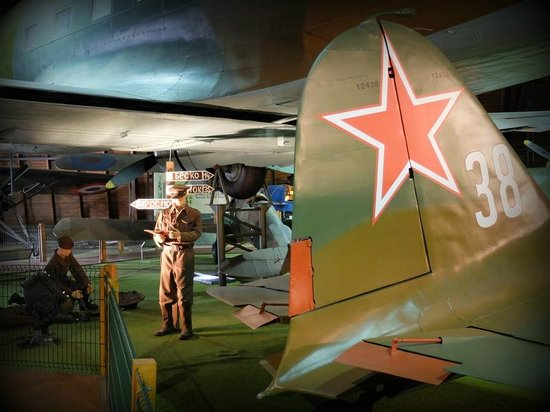 Kbely Aviation Museum : sala interna