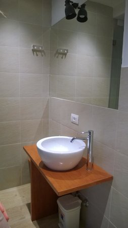 Why Not Roma Suites : bagno