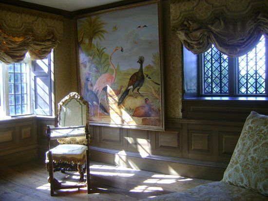 Avebury Manor: Come in and take a seat!