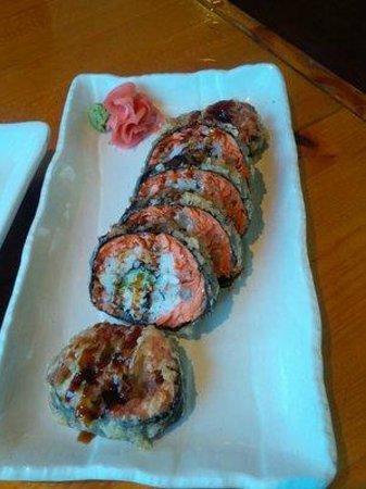 Sushiyama: Salisfornia Roll YUM!