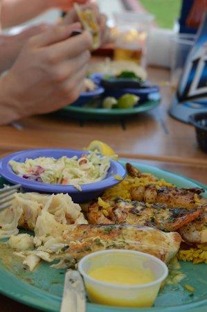 Crabby's Beachwalk Bar & Grill: Crabby's meals