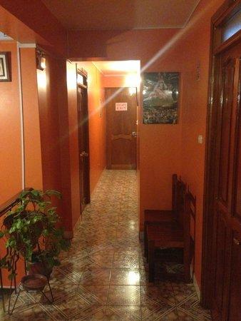 Casa de Luz / La Pequena Casita Hotel : corridoio