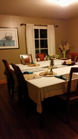 Westport Bayside Bed & Breakfast : and the clean and peaceful dining room