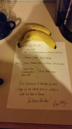 Westport Bayside Bed & Breakfast : a little note for our breakfast - shows organization