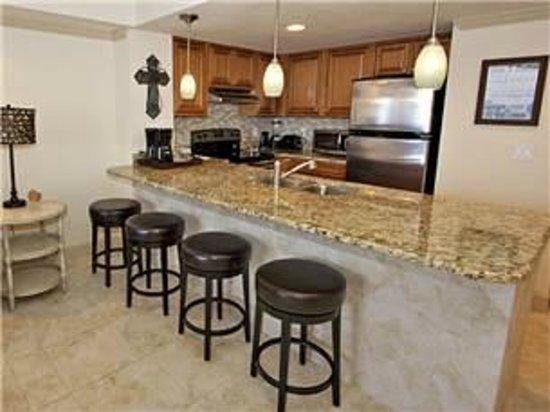Sundestin Beach Resort: new kitchen nicer than home!