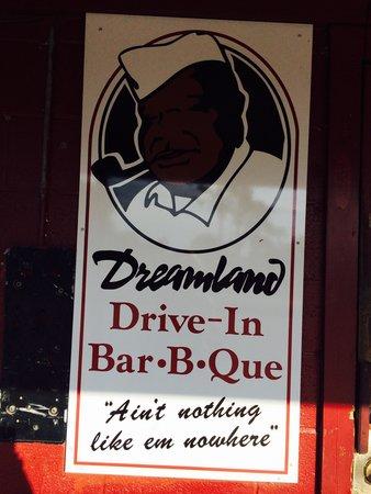 Dreamland Drive-In BBQ entrance