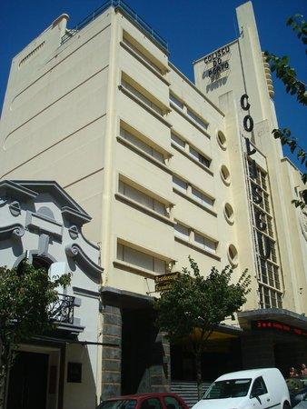 Porto Coliseum Hotel: FOTO DA FRENTE DO HOTEL