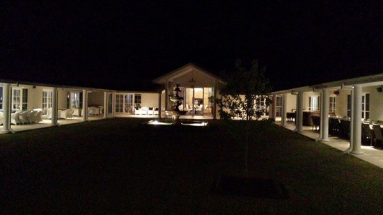 Leogate Estate Wines: Stunning at night