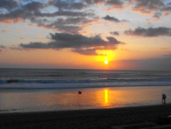 منتجع وسبا ذا سيمينياك بيتش: sunset from the hotel