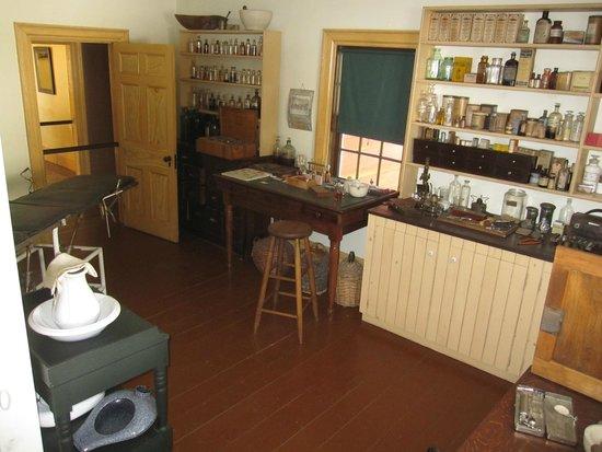 Sherbrooke Village : Doctors Office