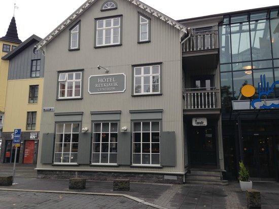 Hotel Reykjavik Centrum: The Main Entrance