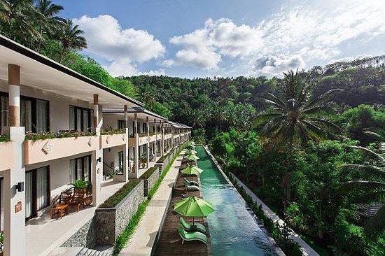 Kebun Villas & Resort: 75m Infinity Pool
