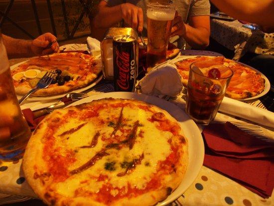 Oppio Caffe : Pizza napoletana