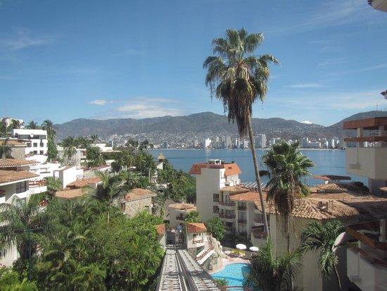 Park Royal Acapulco: Vista de la habitación