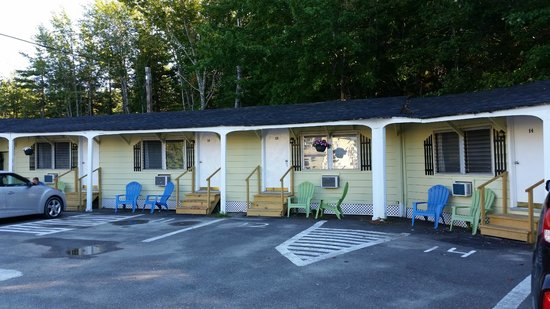 Robbins Motel : Outside of Motel Rooms